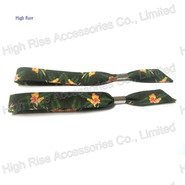 Christmas Flowers Pattern Green Hair Elastic, Ponytail Holder