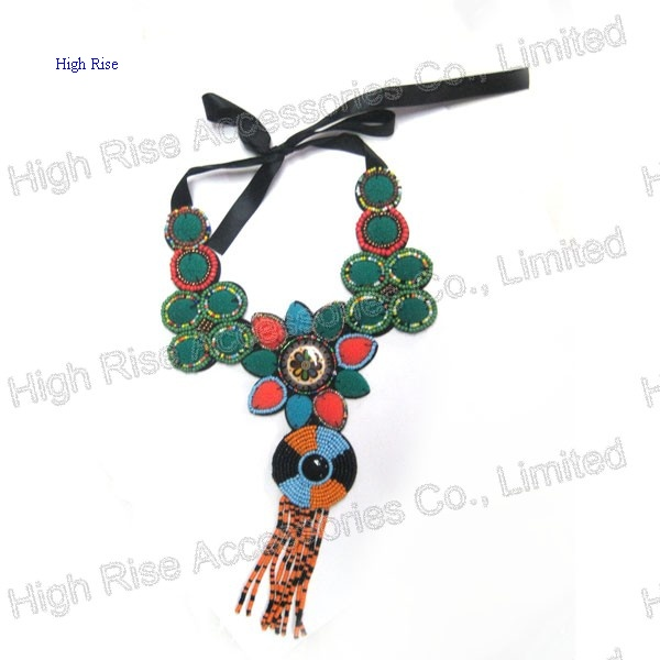 Colorful Beaded Charms Collar/ Collar Necklace
